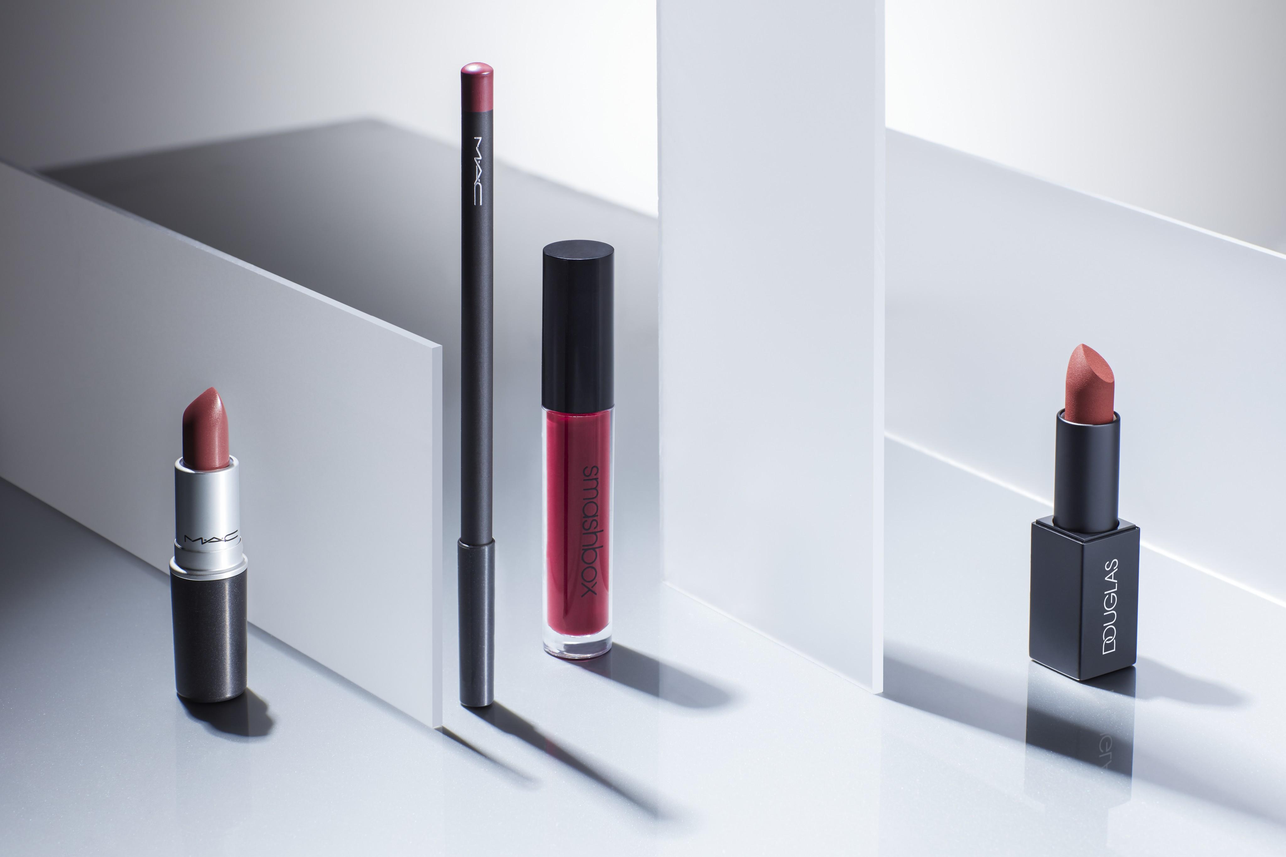 Makeup-product-vitamin-e-milky-glass-plates-douglas-mac-smashbox-unlimited-Web-Rendition