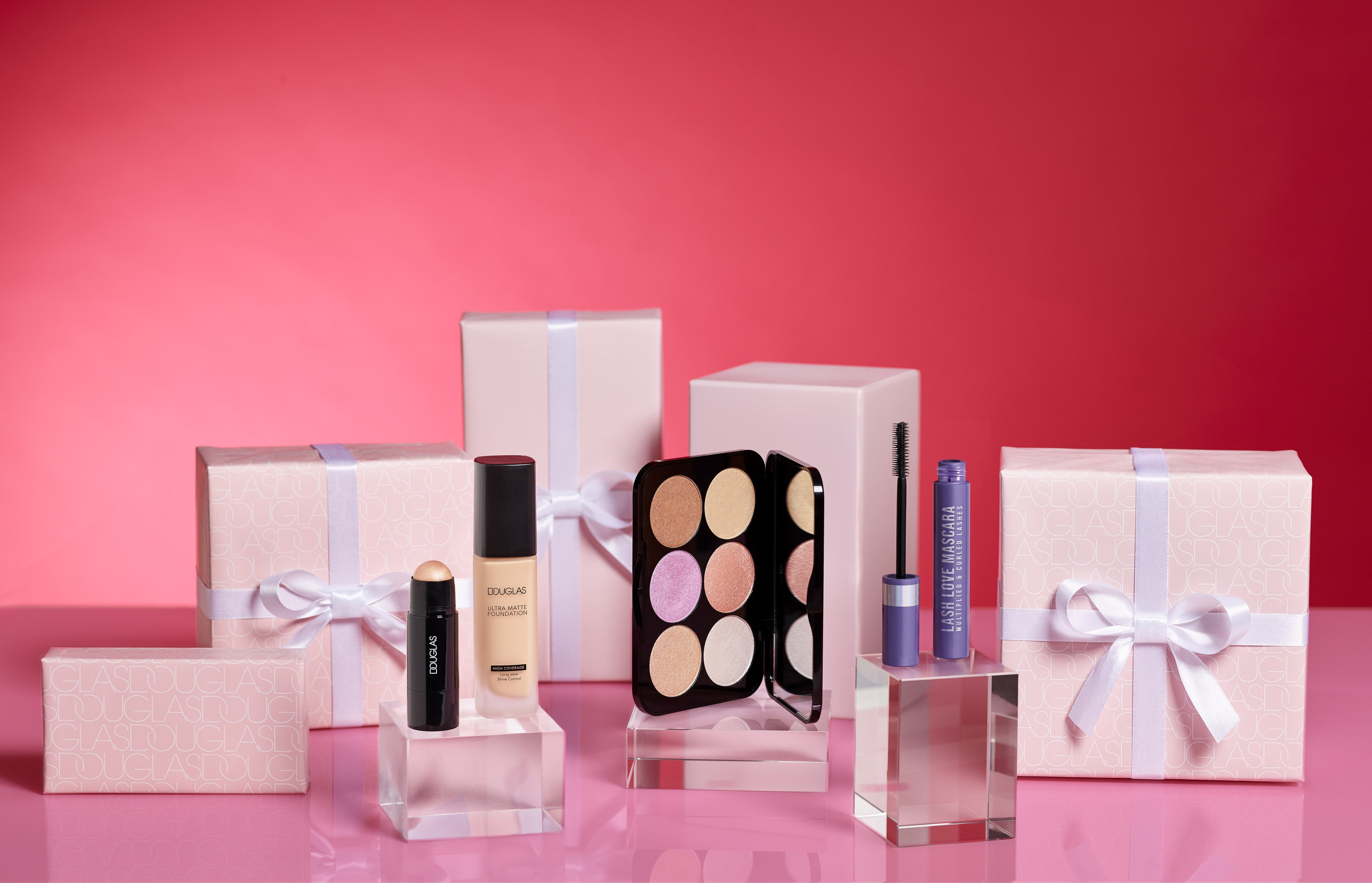 Makeup-product-valentinesday-red-pink-gifts-dc-1022-Web-Rendition