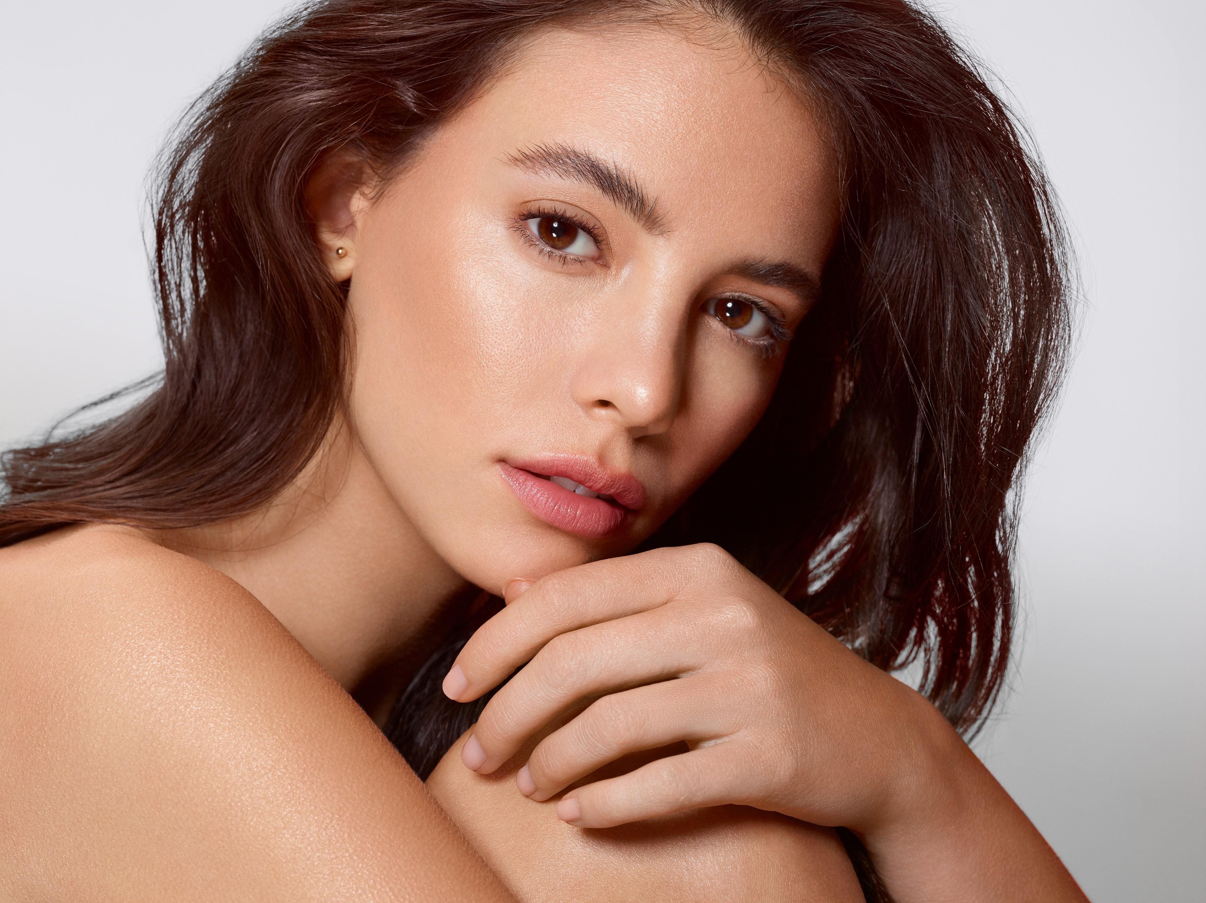 Skincare-beautyvisual-sensitive-skin-sensual-body-face-0322-Web-Rendition