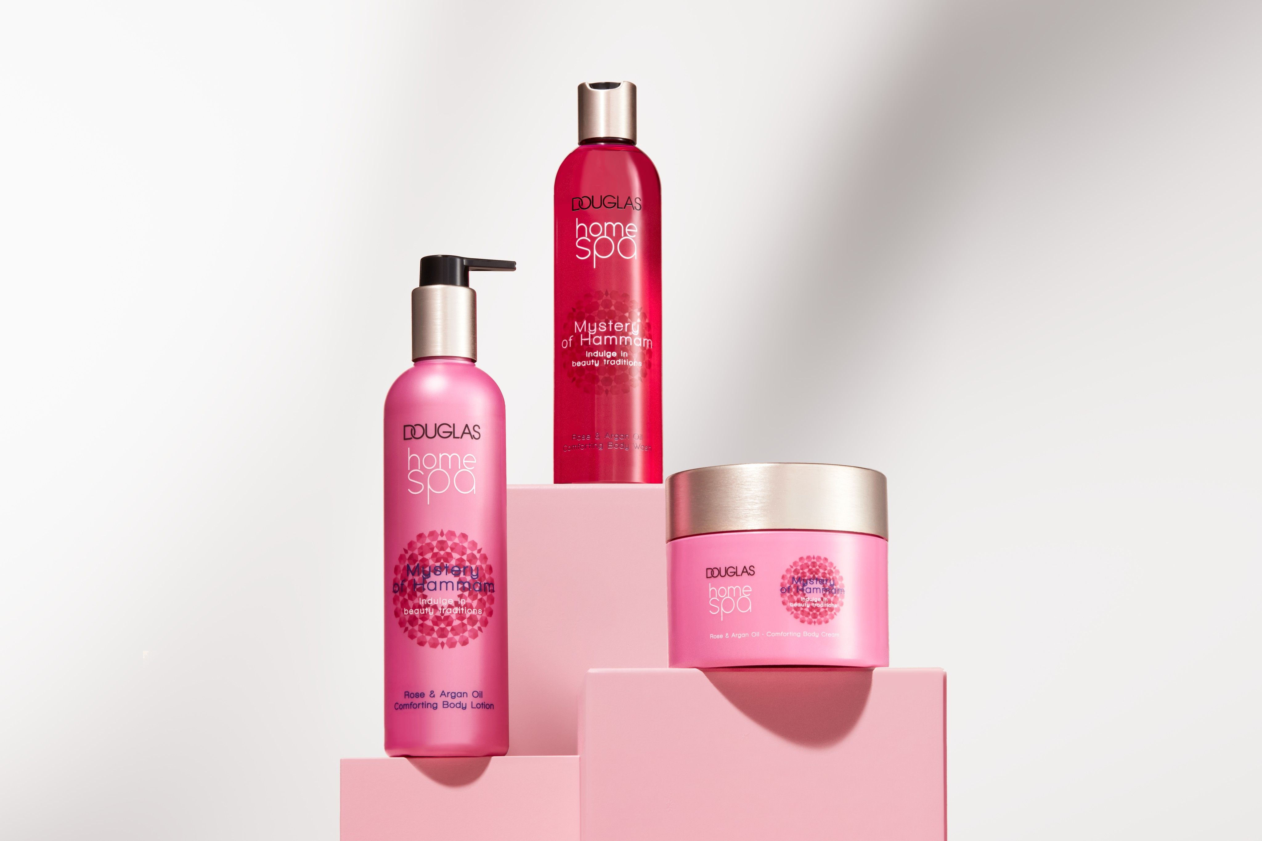 Skincare-product-douglas-collection-home-spa-pink-cubes-white-room-horizontal-unlimited-Web-Rendition