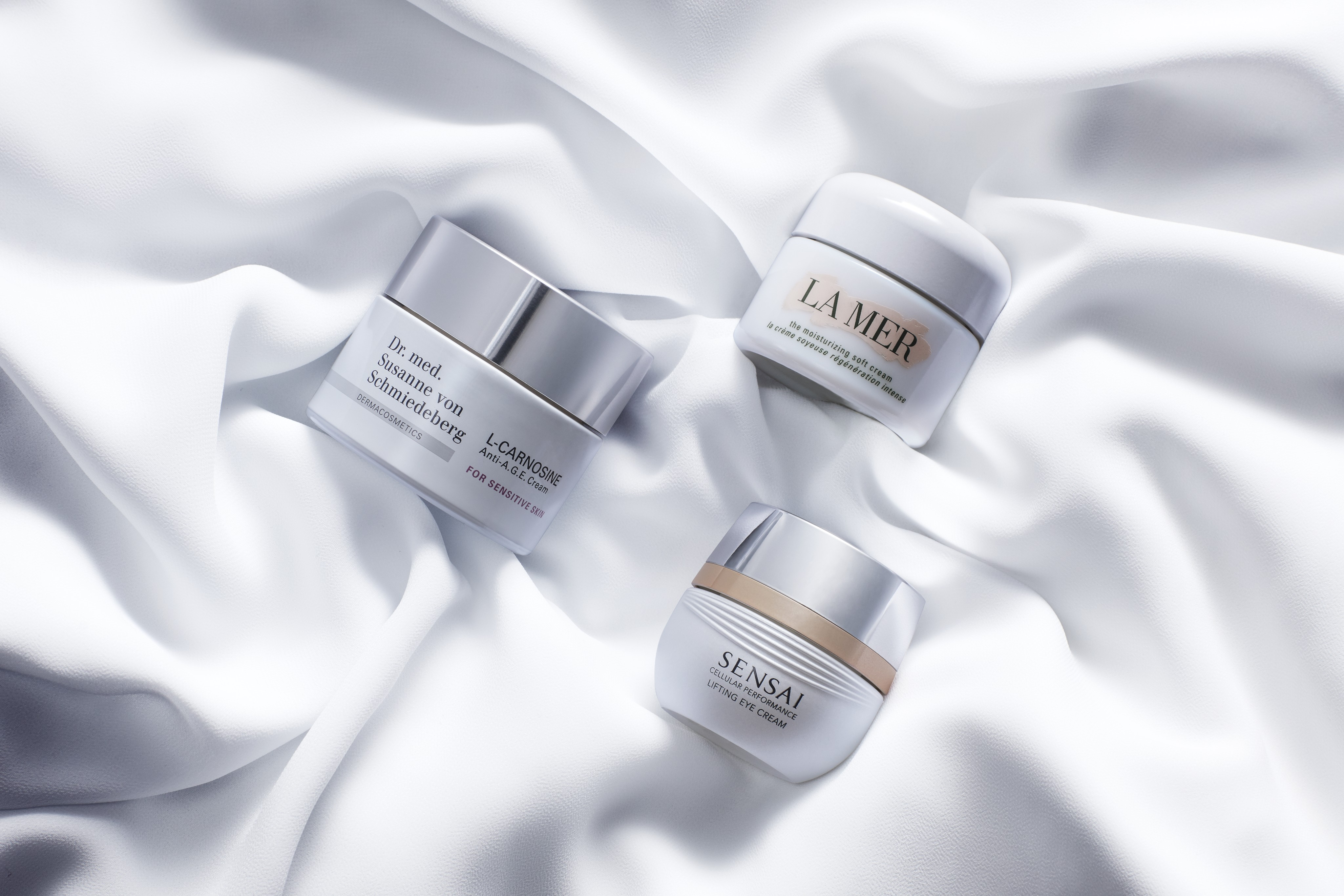 Skincare-product-sensitive-skin-moisturizer-white-silk-unlimited-Web-Rendition