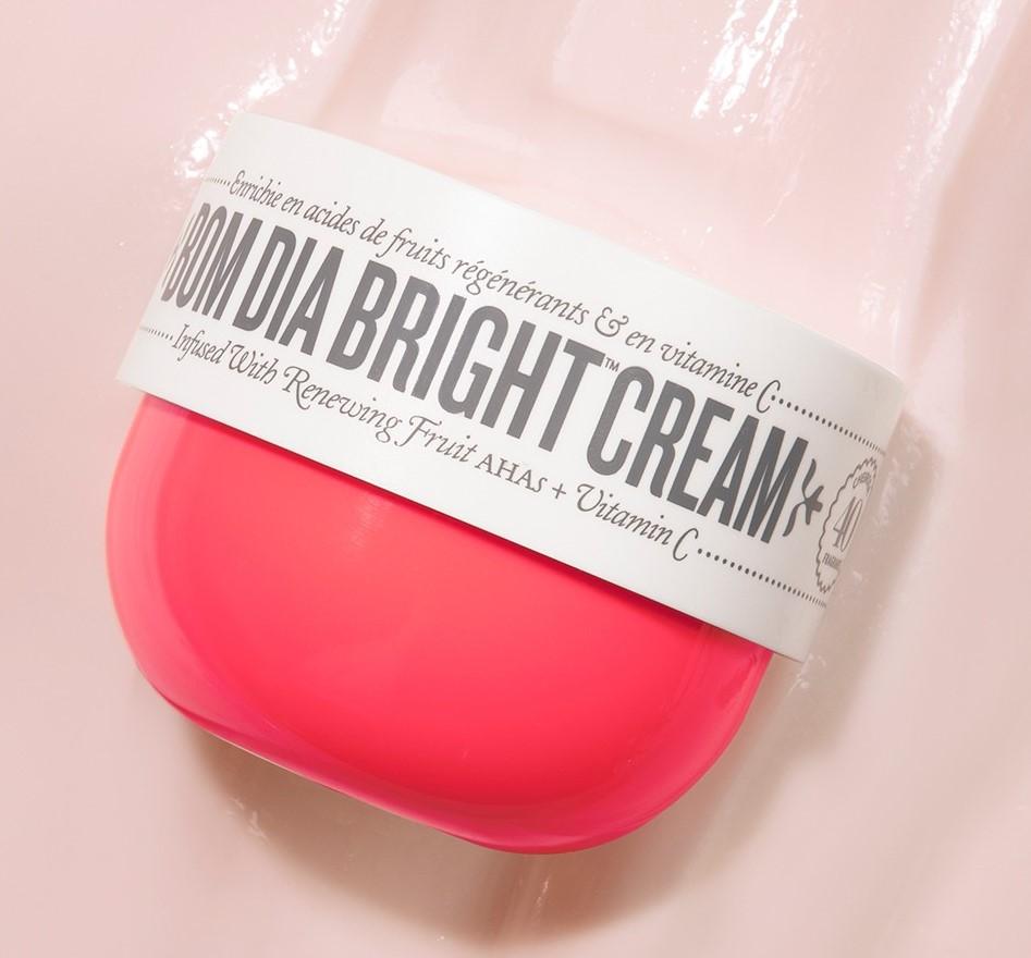Crosscategory-product-sol-de-janeiro-single-bom-dia-bright-cream-texture-0423-Web-Rendition1ZZORWsr3Jw5E
