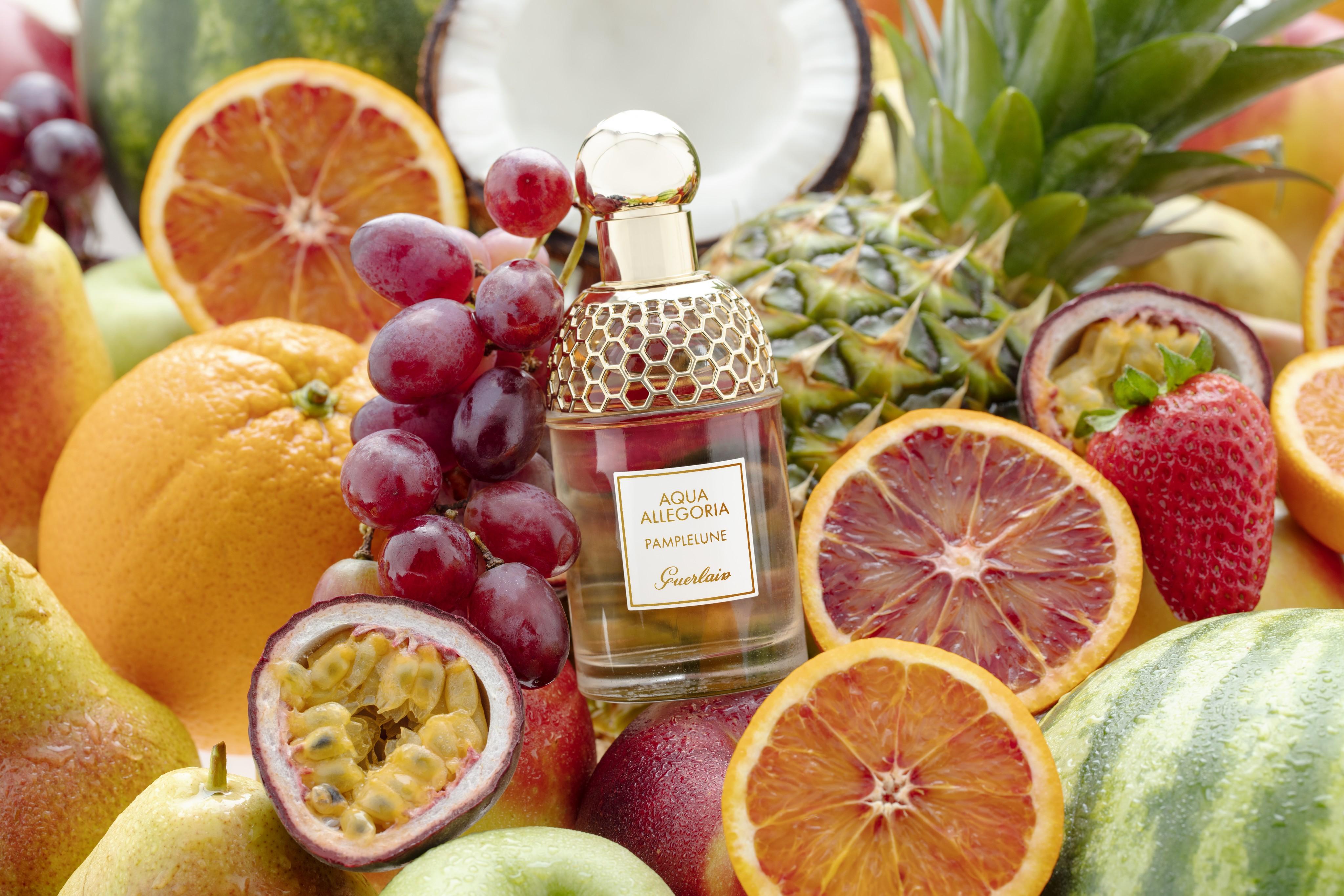 Fragrance-product-fruity-fragranceworld-scents-v2-Web-Rendition