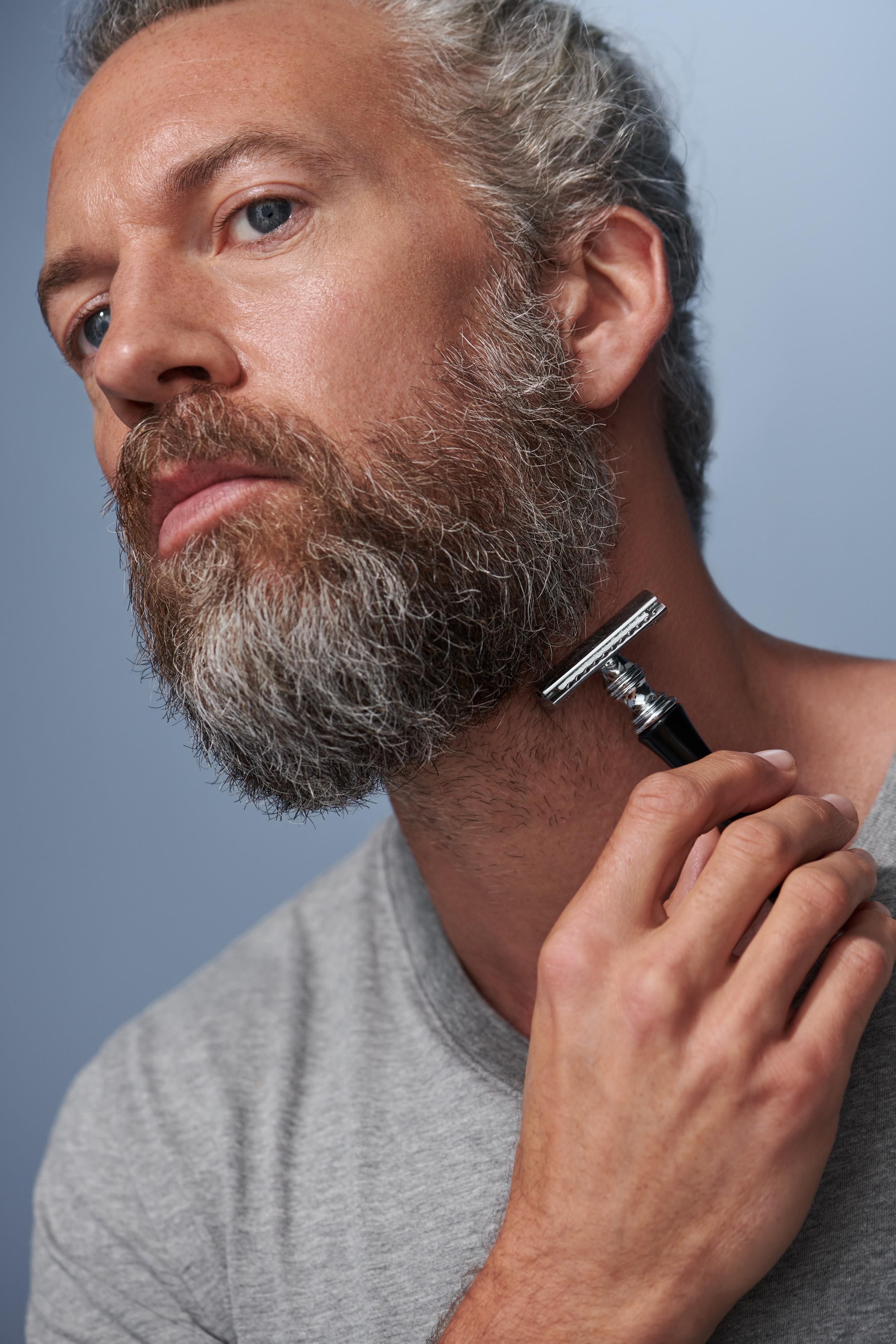 Skincare-beautyvisual-men-shaving-beard-052023-Web-Rendition