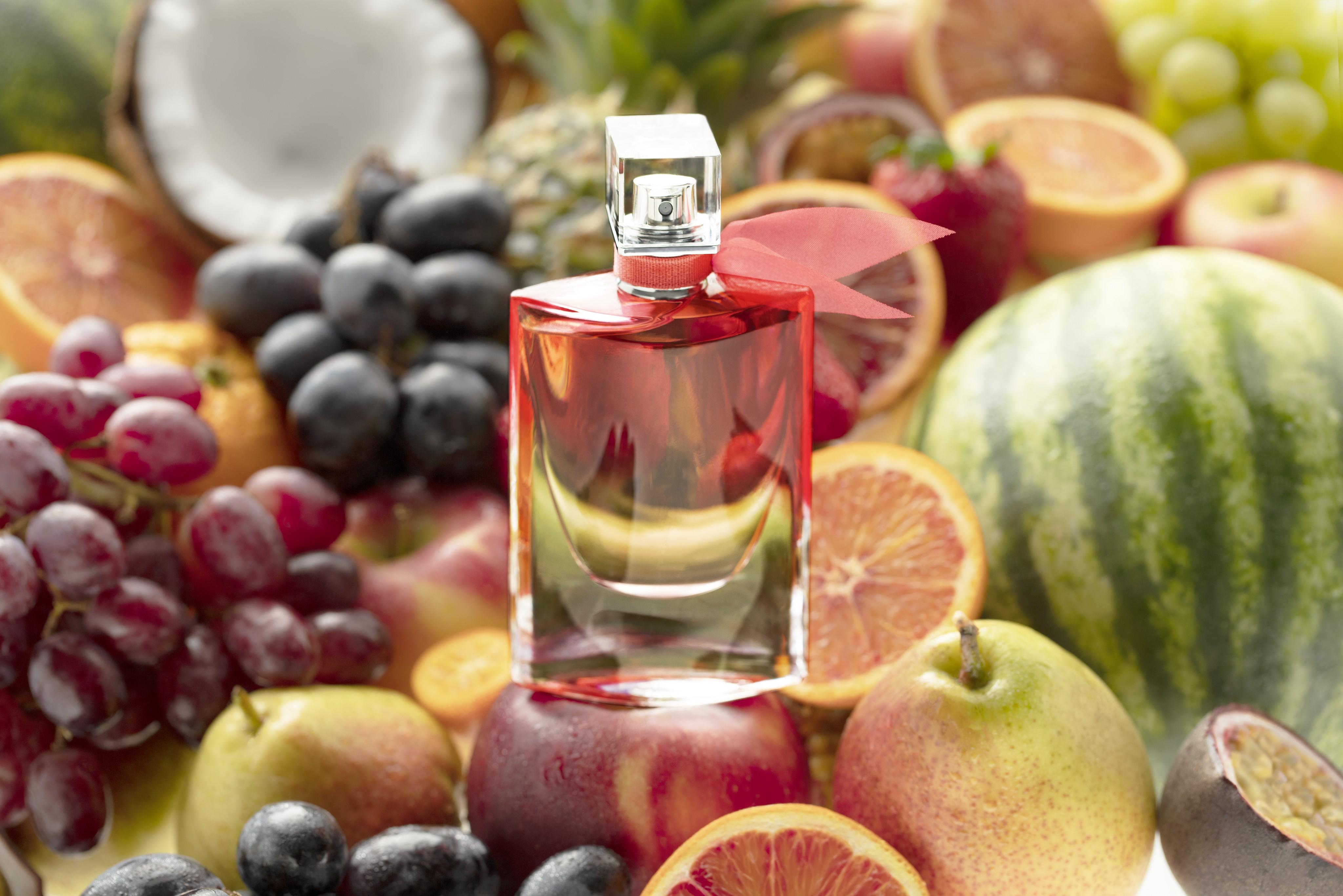 Fragrance-product-fruity-fragranceworld-scents-v4-Web-Rendition